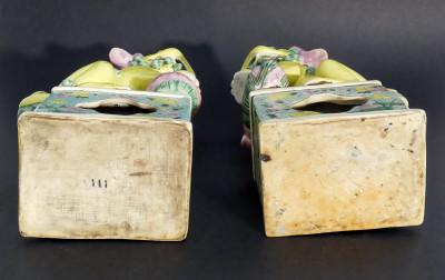 Coppia di Leoni Guardiani, Cani Foo in ceramica. Cina, Novecento