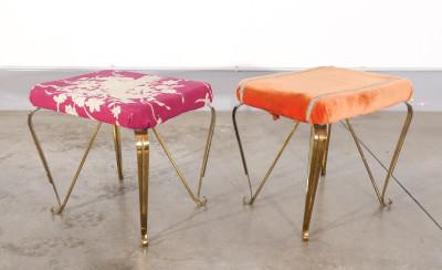 Coppia di sgabelli design Pier Luigi COLLI, in metallo dorato. Italia, Anni 50