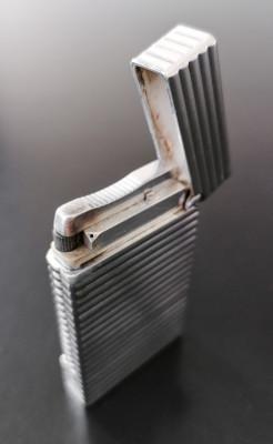 Accendino DUPONT Paris in metallo argentato, n° 1D6HD06. Funzionante. Francia, Anni 80