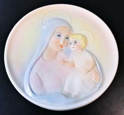 Bassorilievo in ceramica dipinta, raffigurante la Madonna con Bambino. KERAMOS di Ghigo. Torino, Anni 50