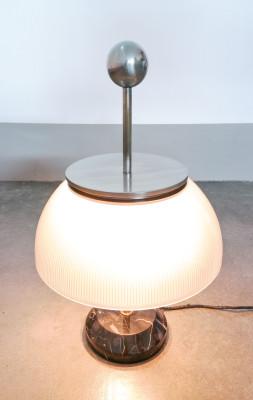 Lampada da tavolo ALFA design di Segio MAZZA per ARTEMIDE. Italia, Anni 60