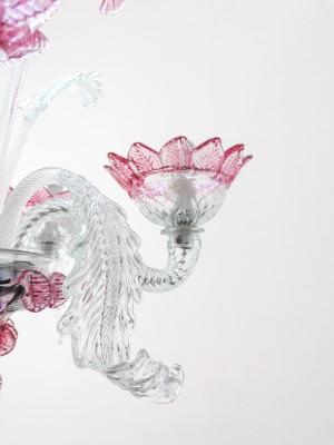 Lampadario a sospensione in vetro soffiato di Murano, con elementi decorativi vegetali e floreali. Italia, Anni 70