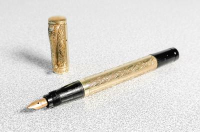 Penna stilografica VULCAN - rientrante Laminata in Oro 18 KR, pennino Warranted 14 k. Italia, Anni 20/30