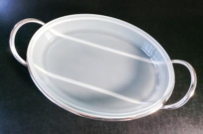 Vassoio da portata design Lino SABATTINI per Argenteria Sabattini in metallo argentato e vetro Pirex. Italia, Anni 70/80