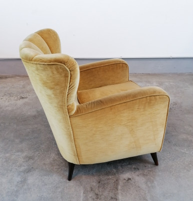 Poltrona di design riferibile alla mano di Paolo BUFFA, Art Decò. Italia, Anni 40