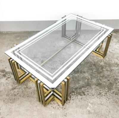 Tavolino da fumo, di design in vetro e metallo. Italia, Anni 60/70
