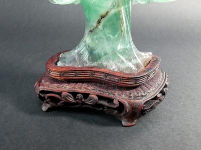 Scultura in giada di dama cinese, forse la dea Guan Yin. Cina, Novecento