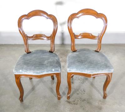 Set di sei sedie Luigi Filippo in legno di noce. Italia, Ottocento