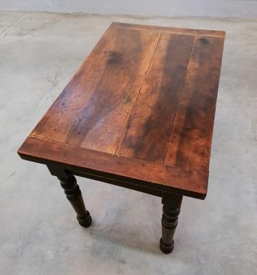 Tavolo a libro Carlo X, in legno di noce, con cassetto e gambe a bottiglia, originale d