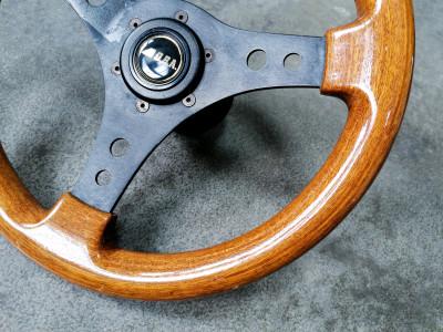 Volante sportivo di design OBA In legno e metallo. Italia, Anni 60/70