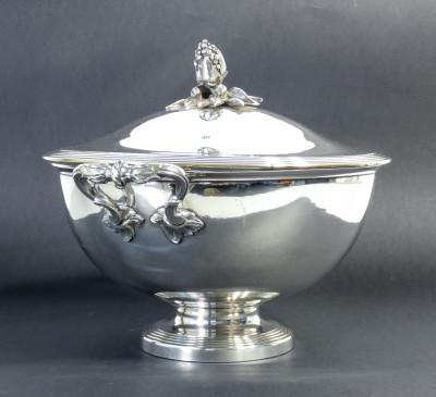 Legumiera centrotavola CHRISTOFLE silver plated. Francia, 1860 circa