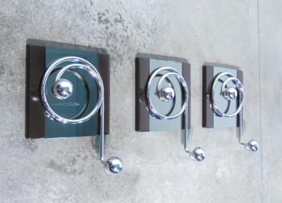 Set di tre appendiabiti da parete, design Willy RIZZO. Italia, Anni 70