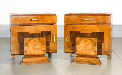 Coppia di comodini art Decò in legno e radica, piano in marmo. Italia, Anni 20