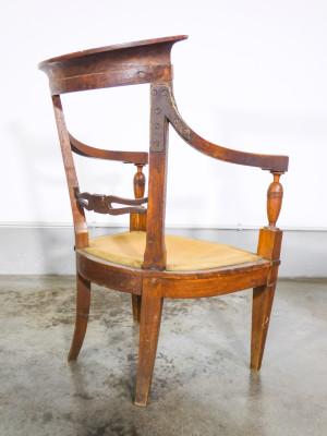 Coppia di sedie DIRETTORIO in legno massello di noce, con cuscini imbottiti. Primo Ottocento