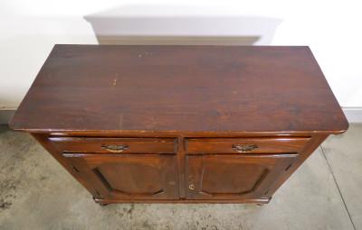 Credenza Carlo X in legno di pioppo, due ante e due cassetti. Ottocento