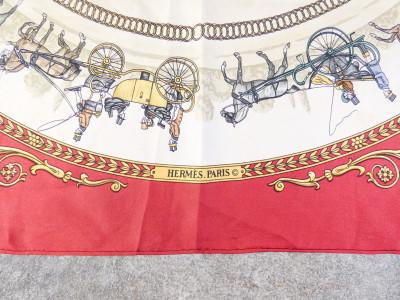 Foulard HERMÈS La Promenade de Longchamps, in pura seta. Artista Jacques EUDEL. Francia, Anni 60