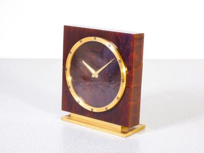 Orologio da tavolo JAEGER LECOULTRE 8 Jours Movimento cal. 222, carica manuale. Corpo in tartaruga e metallo dorato. Svizzera, Anni 60