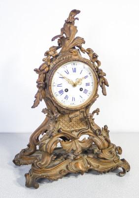 Orologio a pendolo, da tavolo, stile Luigi XV, movimento meccanico a doppia carica DEBUT. Francia, Ottocento