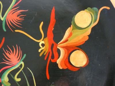 Piatto in terracotta dipinta, firmato e attribuito alla mano di Antonia CAMPI. Italia, Anni 50