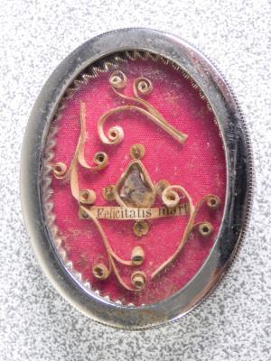 Reliquia di S.ta Felicita Martire, reliquiario in ottone, sigillo arcivescovile in ceralacca. Italia, Ottocento