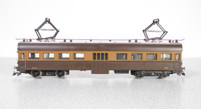RIVAROSSI Automotrice A 2002 Ferrovie Nord Milano, nella versione marrone-beige, con due vagoni. Italia, Anni 40/50