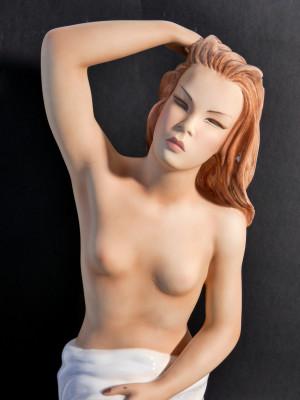 Scultura in ceramica dipinta a mano, firmata LE BERTETTI Emanuela. Torino, Anni 30