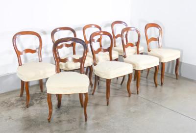 Set di otto sedie Luigi Filippo, in legno di noce, originali d
