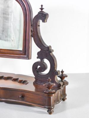 Specchio da toilette in legno di noce, con cassettino. Secondo Ottocento