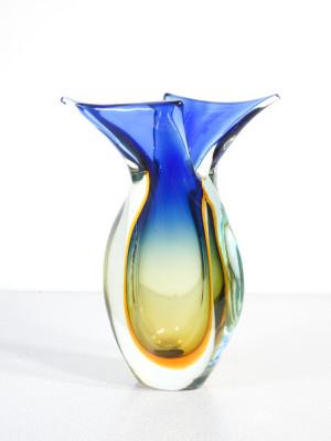 """Vaso in vetro soffiato di Murano realizzato con la tecnica del """"Sommerso"""" design Flavio POLI. Italia, Anni 50/60"""