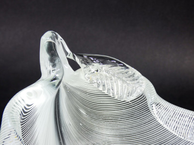 Vaso in vetro soffiato striato in bianco, design Tyra LUNDGREN per VENINI. Murano Italia, Anni 30/40